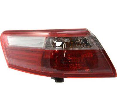 OE Replacement Toyota Camry Driver Side Taillight Lens//Housing Partslink Number TO2818131